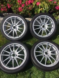 "18"" O.Z Superleggera alloy wheels"
