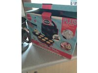 Cupcakes maker, hardly used!!!