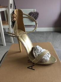 Gold shimmer size 5 heels