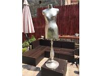 Metal mannequin for display stunning