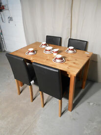 Modern Newton Oak Stain Solid Pine Dining Table & 4 Black Chairs (#229)
