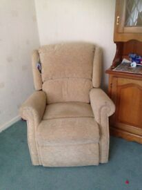 Manual reclining armchair beige