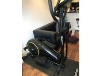 【Free delivery £140 Reebok ZR8 Cross Trainer with Reebok CV Mat for Cross Trainer 】