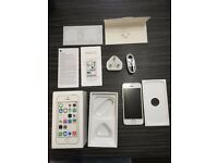 Apple iPhone 5s 16gb White/Silver Fully Unlocked Fully Boxed **Excellent Condition** Great Present**
