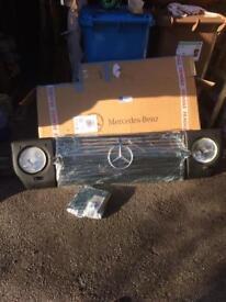 Mercedes Benz' g'wagen .