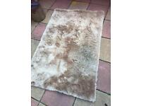 Champagne colour rug new £40