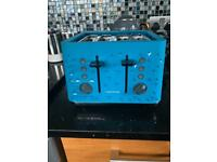 Blue morphy Richards toaster ( with free kettle)