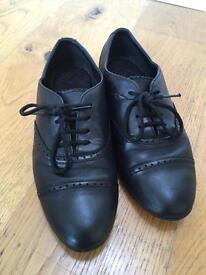 Black leather Clarks shoes size 4