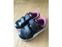 Girls Puma Smash black white pink Velcro trainers. Toddler size 7 £4.00