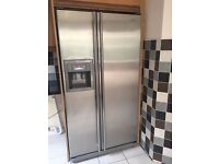 samsung american style fridge freezer in brilliant condition and working great water ice dispenser
