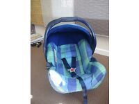 Mothercare baby car seat 0+