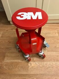 3m table with wheels and brake