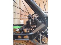 Mountain bike disc brakes: sram guide r NEW