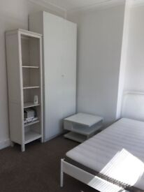 $Lovely Double room available in Golders Green 2 bed flat NW2 2JN £200pw Only 2 weeks Deposit