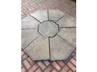 Garden centre piece w/ additional paving