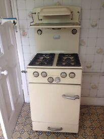 1950 vintage gaz cooker still working for home use or as film accessory