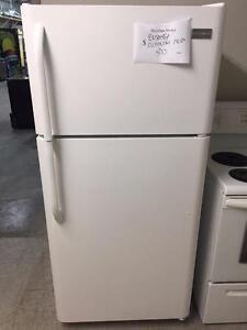 ensemble réfrigérateur et cuisiniereFrigidaire
