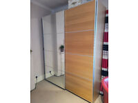 Lovely IKEA Wardrobe with mirror/oak slidding doors in perfect condition!