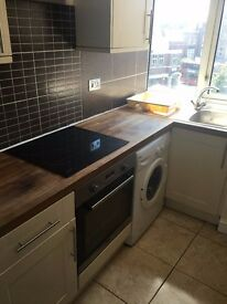 MODERN 1 BED FLAT TO RENT IN HORNCHURCH FOR £900PCM. ALL BILLS INCLUDED APART FROM COUNCIL TAX.