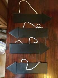 4 blackboard arrow signs