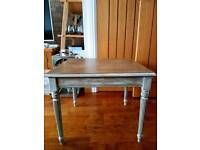 Shabby chic vintage coffee/side table