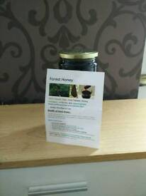 100% raw Forest honey