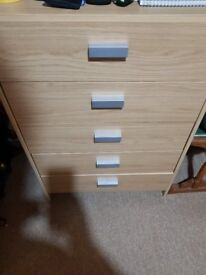 5 Drawer Chest with Oak Effect (gw) - mint condition