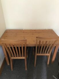 Lovely solid dining table w 3 chairs