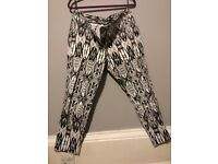 Capri Trousers, Black and White Pattern for sale, size 16