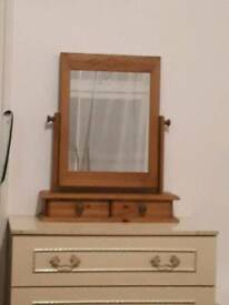 Wooden dressing table mirror
