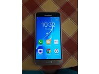 Samsung J3 6 2016 slightly cracked screen please see pictures locked to three