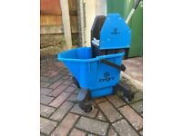 JANGRO Blue Mop Bucket with Ringer Industrial Floor Cleaning Hygiene 1 x 20L