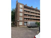 BOW, E3 *DSS WELCOME* SPACIOUS 3 DOUBLE BEDROOM APARMENT CLOSE TO STATION