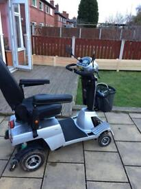 Quingo vitess 8mph mobility scooter / excellent working order