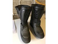 Motorcycle Boots Size 9 Leather / Waterproof (Frank Thomas)