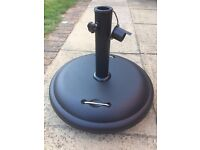 25KG Cement Parasol Base with Wheels - almost new