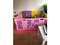 Playpen with 15 pieces playmats