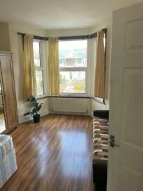 Spacious studio flat in ilford