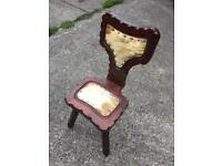 Vintage wooden 3legs chair