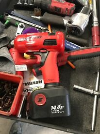 Snap on 1/2 and 3/8 impact battery guns