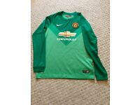 Manchester United Goalkeepers Kit 12-13 Years