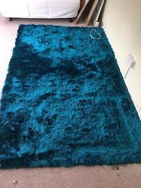 Teal deep pile rug 8ft x 5ft