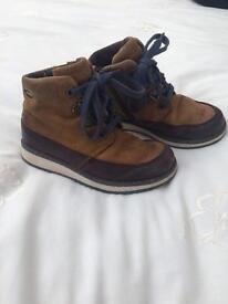 Clarks boots gore-tex boys 7.5F