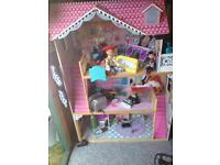 Children's doll house lovely condition RRP £145