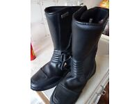 Akito motorcycle boots black size 9 unused