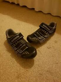 MENS size 10 Shimano cycling shoes and SPD SL cleats