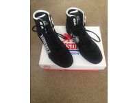 Boxing boots size 4