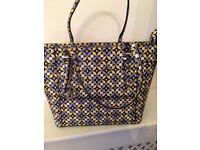 Gorgeous Guess Handbag.