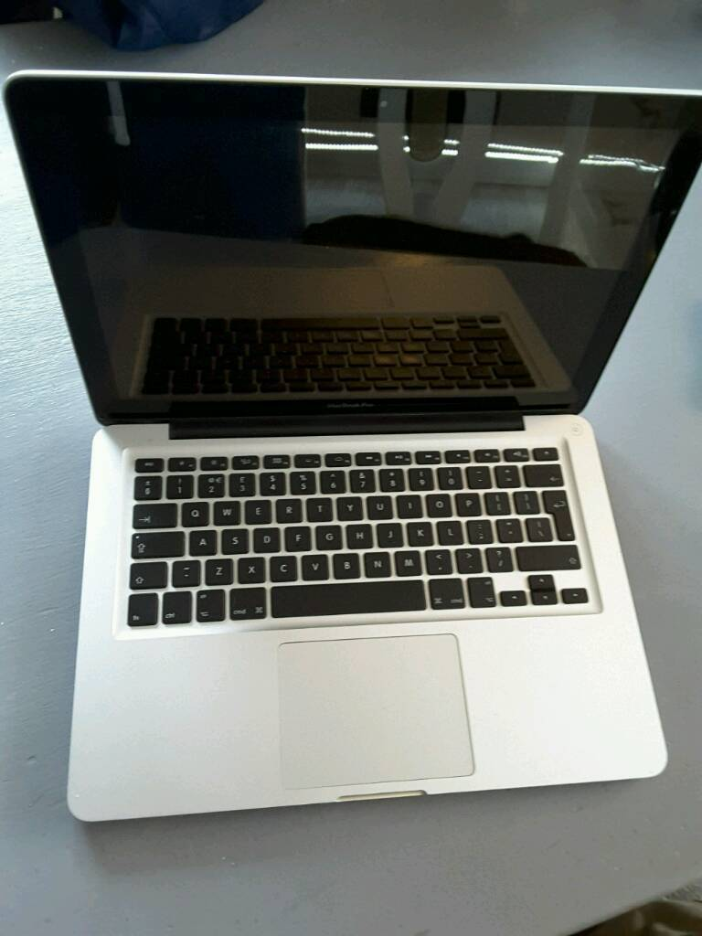 "Macbook pro 13"" late 2011 i5 4gb ram 500gb hdd, mint condition, plus softwarein Carlton, NottinghamshireGumtree - Macbook pro 13"" Late 2011 Intel i5 CPU4gb ram500gb hddIn near mint condition, hardly been used. No dents or scratches and no wear on keys or track pad. Comes with original apple charger.Comes with brand new black rubberised caseNew installation of..."