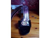 🌸🌸original gucci heels complete with serial number🌸🌸